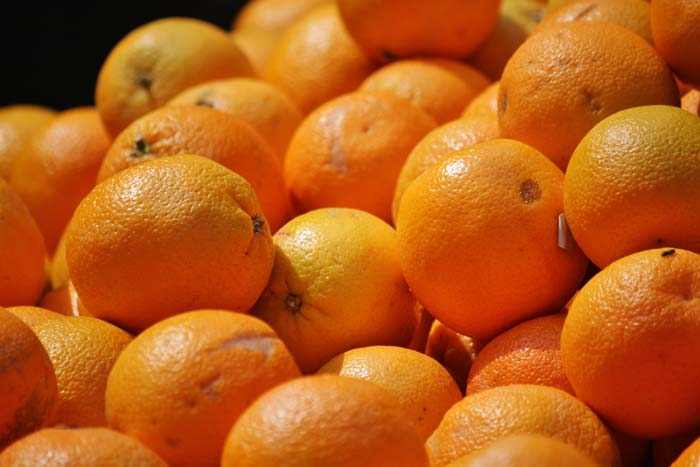 Image of a pile of oranges